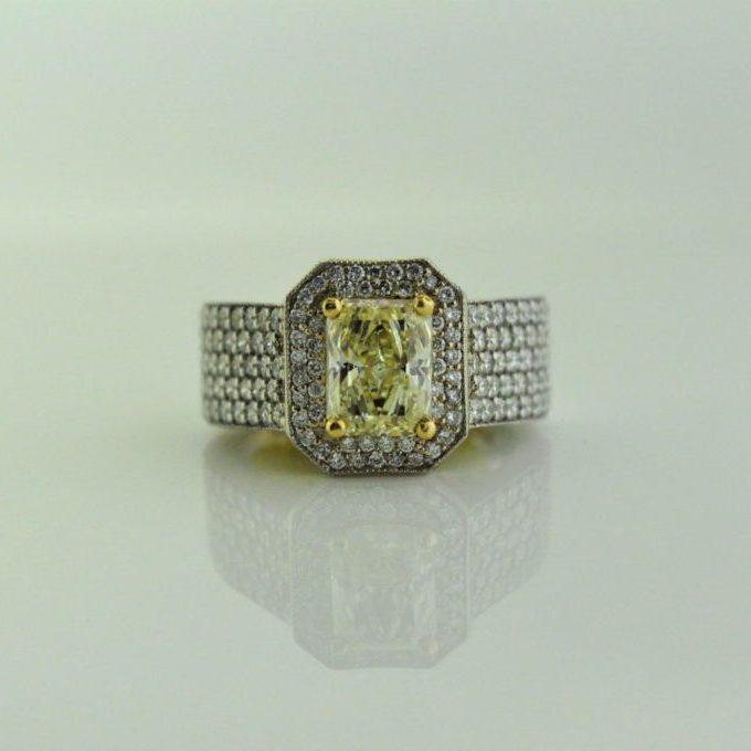 14K white / 18K yellow gold yellow diamond ring