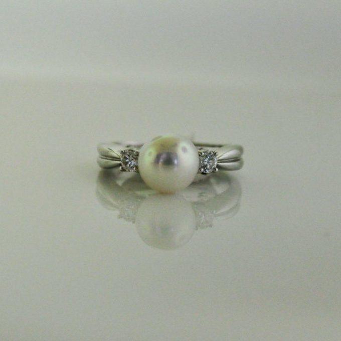 Mikimoto pearl white gold ring